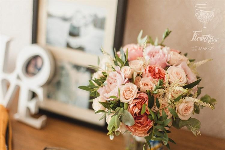 Невесты флер-д-оранжевыми заказ свадебные букеты пионовидных роз фото цветы