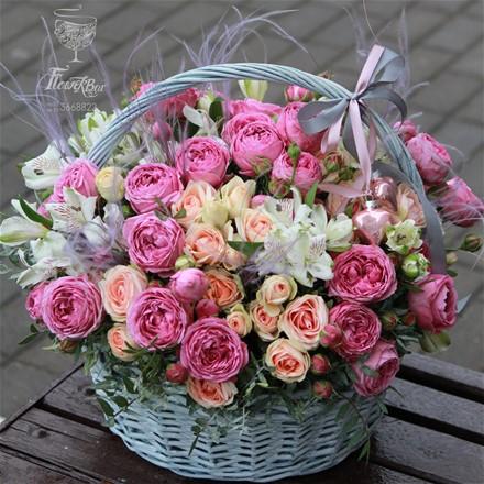 "Корзина с цветами ""Belle Rose"" A007"