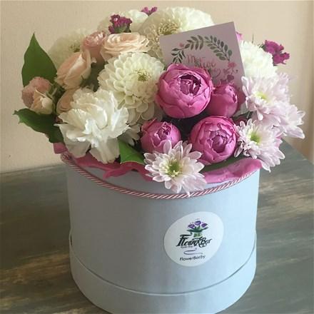 Шляпная коробка с цветами M159