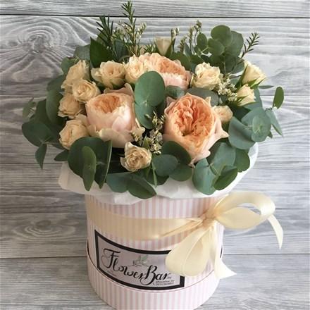 Шляпная коробка с цветами S167