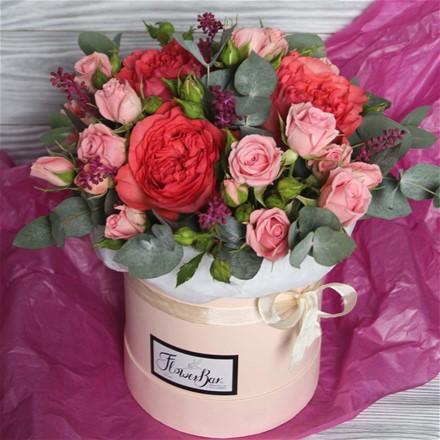 Шляпная коробка с цветами S175