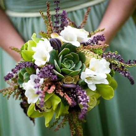 Свадебный букет из орхидей и суккулентов Е113