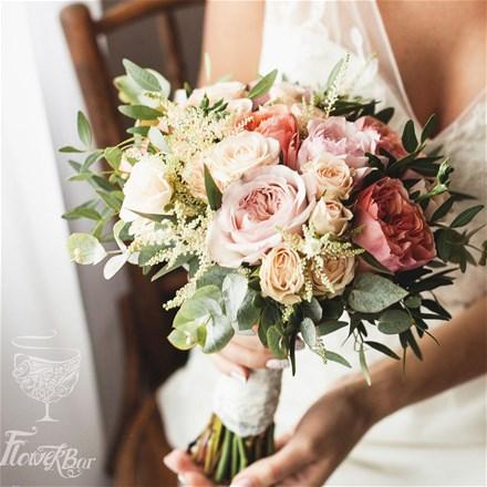 Свадебный букет из пионовидных роз Е050