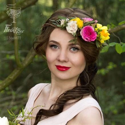 Свадебный венок из живых цветов F009
