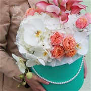 Шляпная коробка с цветами L053