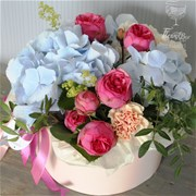 Коробка с цветами S148