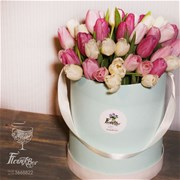 Шляпная коробка с цветами L145