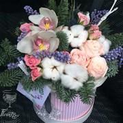 Шляпная коробка с цветами M061