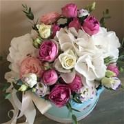 Шляпная коробка с цветами M144
