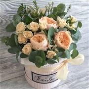 Шляпная коробка с цветами XS167