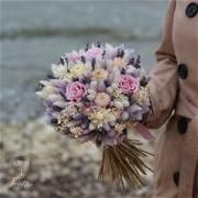 Свадебный букет из сухоцветов и стабилизированных роз N021