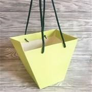 """Коробка с ручками для букета """"на воде"""" D065"""