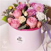 Шляпная коробка с цветами  M115