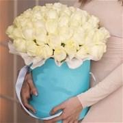 Шляпная коробка с цветами L128