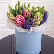 Шляпная коробка с цветами XS129
