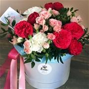 Шляпная коробка с цветами M125