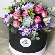 Шляпная коробка с цветами M137