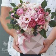 Шляпная коробка с цветами S061