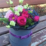 Шляпная коробка с цветами XS019