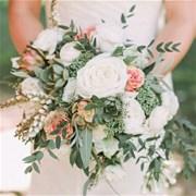 Свадебный букет из роз и суккулентов E116