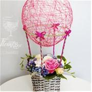 Воздушный шар с корзиной цветов A017