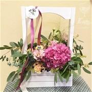 Woodbox & Flowers A057